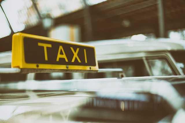 taxi-gdansk-fluocars